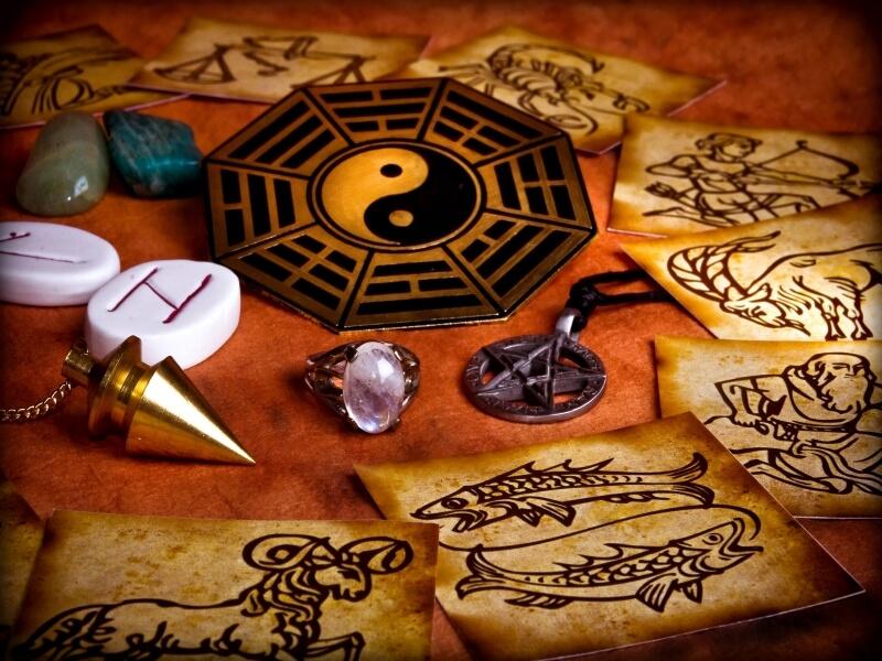 astrologija i kristali